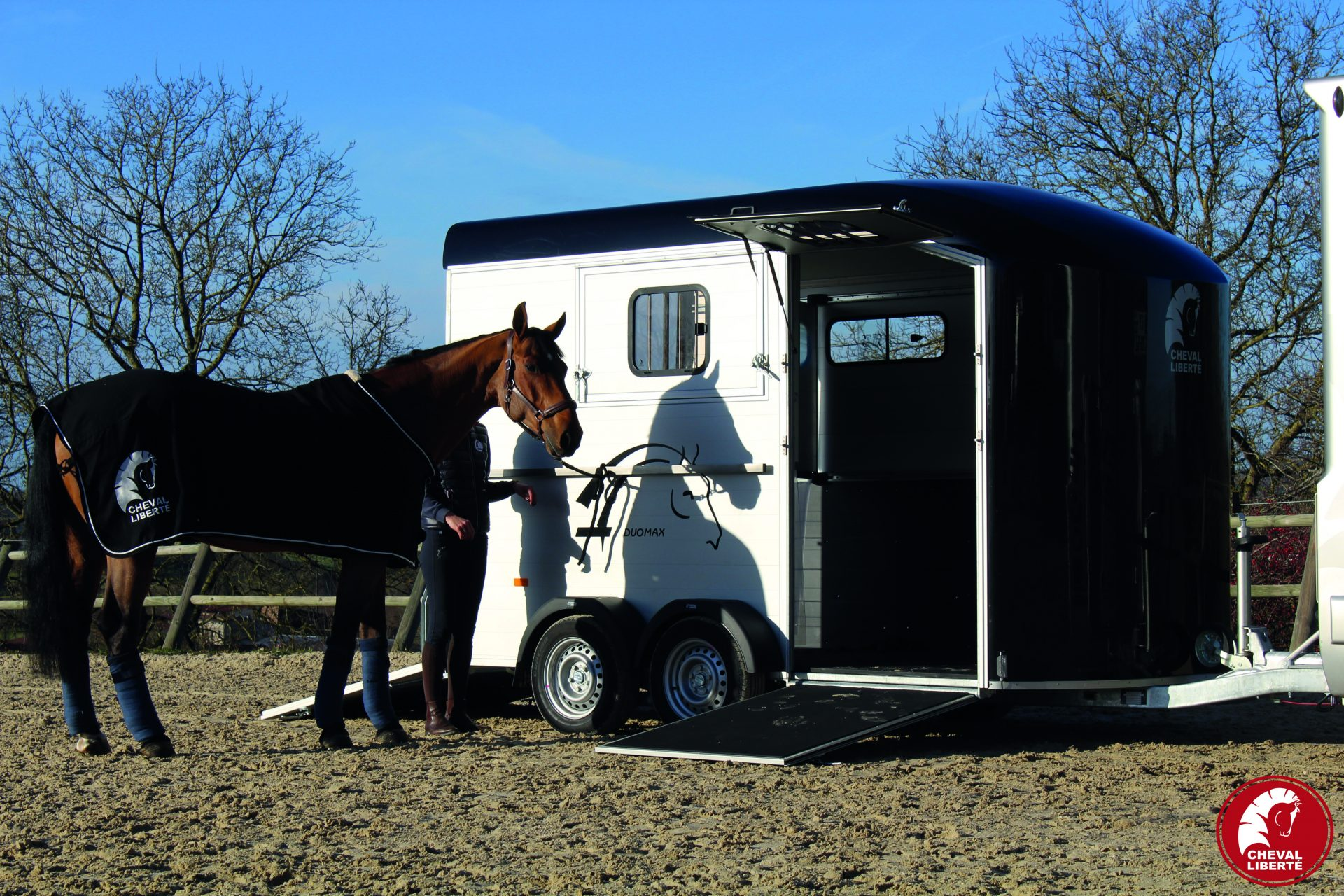 Duomax ouvert + cheval
